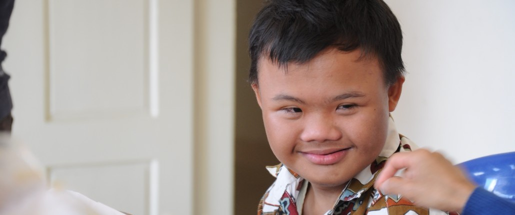 Welp Indonesië - Hulp aan gehandicapte kinderen - Project 10 27 FJ-15